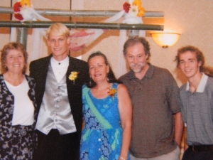 From left to right: Debbie Evans (aunt), F.B. Wood (me), Niece Lundgren (mom), Ray Pague, Jesse Pague